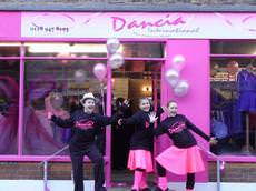 Dancia International, Reading